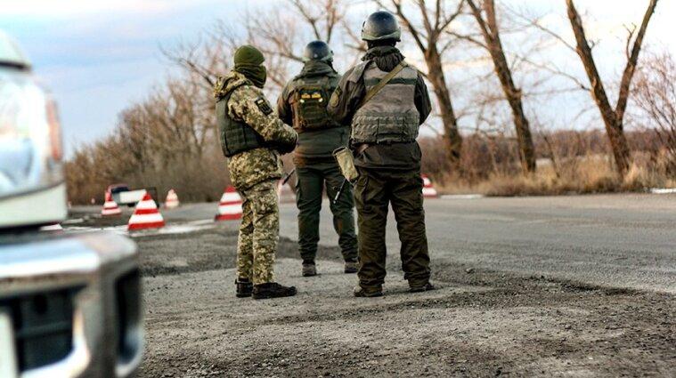 Загострення на Донбасі: біля Південного поранено українського воїна