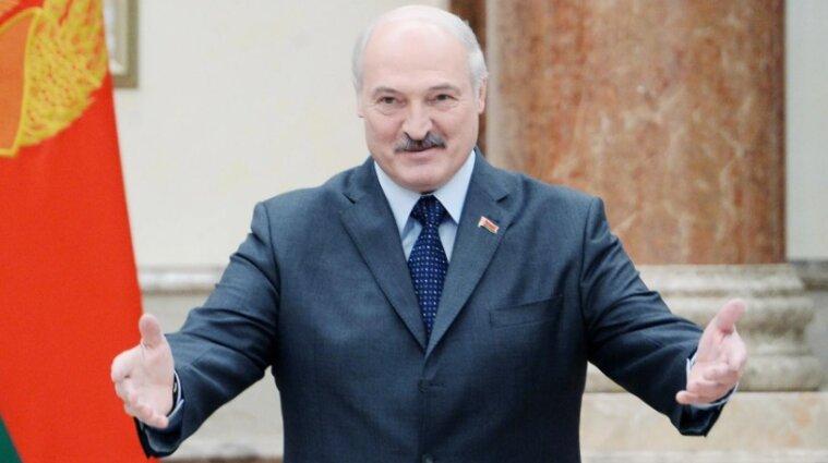 """Лукашенко """"зачинив"""" кордон: навіщо очільник Білорусі лякає громадян"""