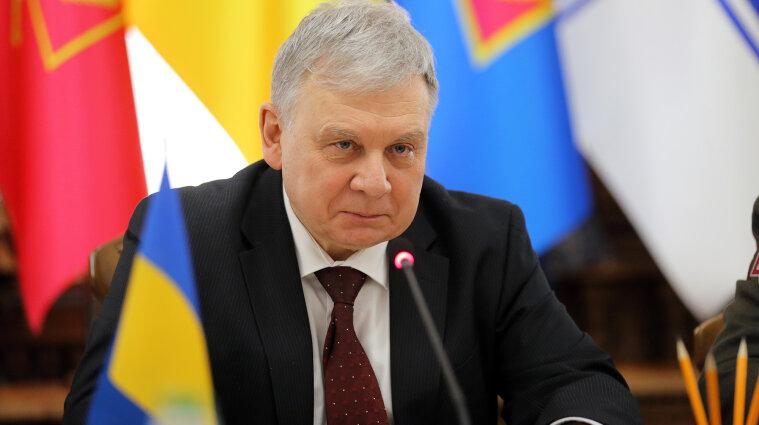 """Нардепи можуть відправити у відставку міністра оборони – """"слуга народу"""" Безугла"""