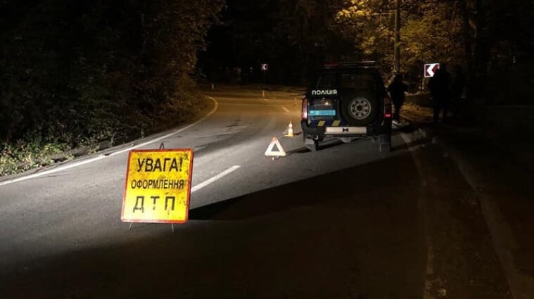 В Хмельницкой области в аварии пострадали двое взрослых и двое детей
