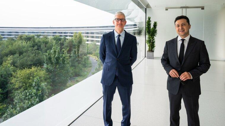 Зеленський зустрівся з гендиректором Apple у Каліфорнії