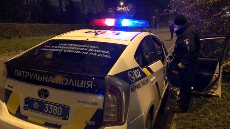 В Івано-Франківську чоловік посеред вулиці стріляв у перехожих