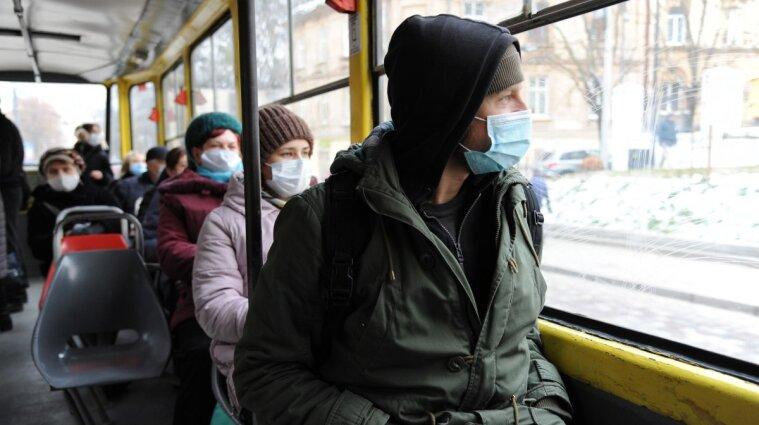 В Україні виявили 12 811 нових випадків коронавірусу
