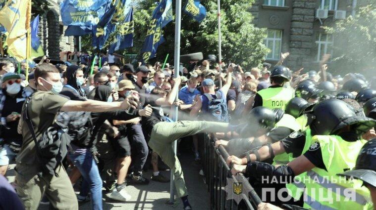 Протесты под Офисом президента: еще трем людям сообщено о подозрении (фото)