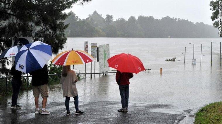 Австралию накрыли сильнейшие за 50 лет наводнения: людей эвакуируют