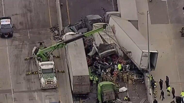Зросла кількість загиблих внаслідок масової автотрощі у Техасі - фото