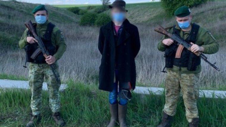 В поисках лучшей жизни: подросток пришел пешком из России в Украину