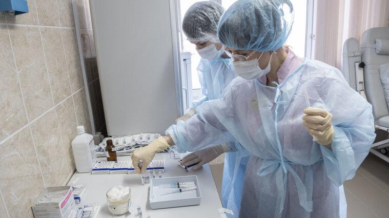 МОЗ дозволить медсестрам щеплювати населення без залучення лікаря