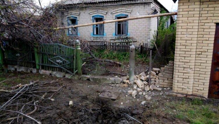 Окупанти на Сході України поранили мирного мешканця