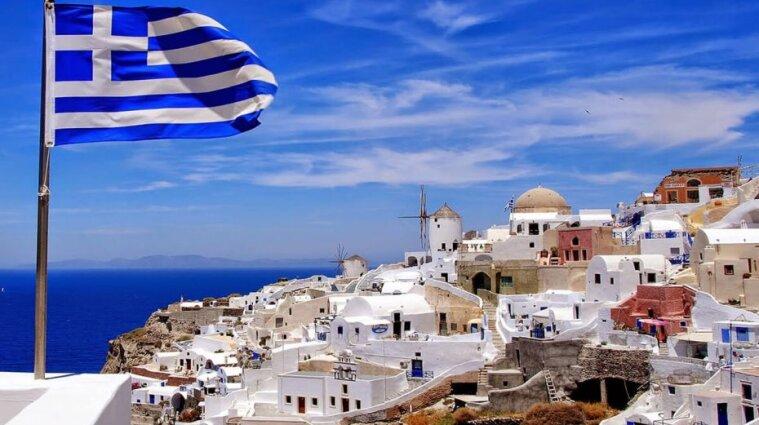 COVID-19: У Греції вакцинуватимуть перед церквами