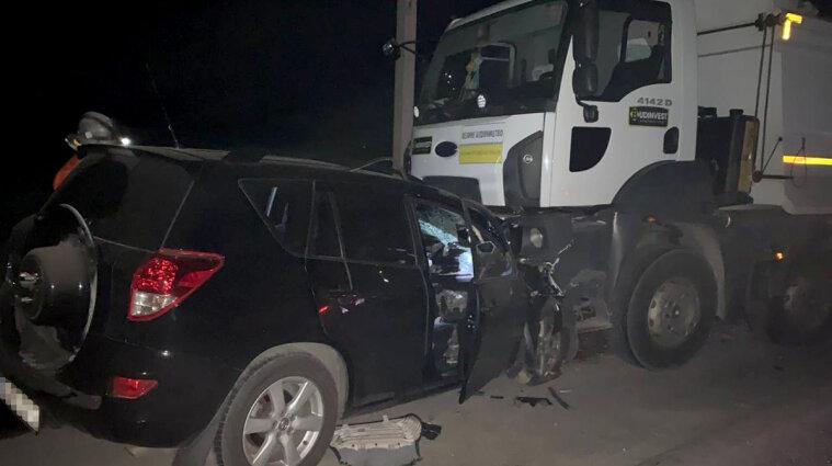 У Дніпропетровській області позашляховик зіткнувся з самоскидом: загинуло чотири людини