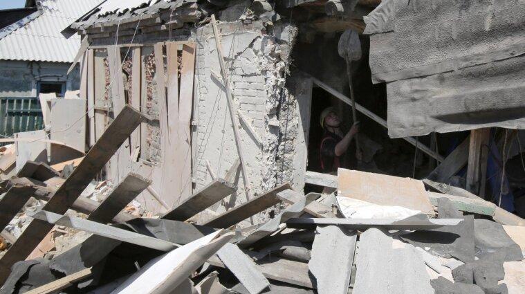 Российские наемники обстреляли село Иллирия в Луганской области: ранены гражданские
