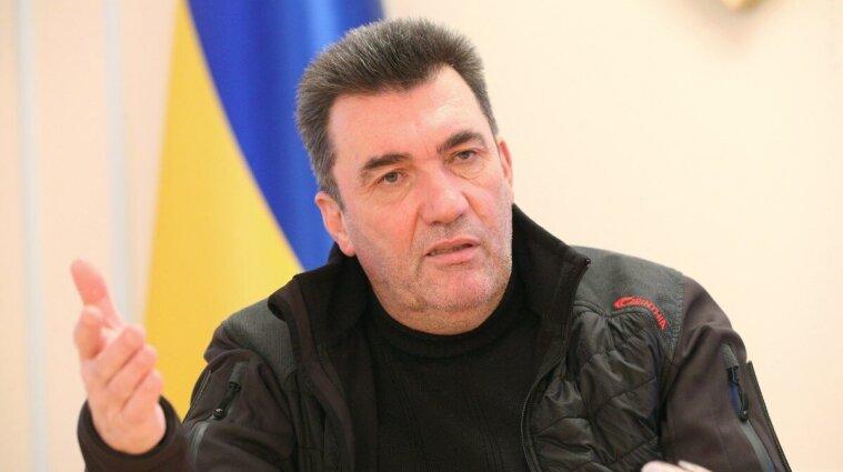Данілов: армія готова визволити окуповані Донецьк та Луганськ, якщо буде наказ