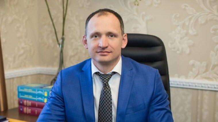 Зеленский отказался уволить подозреваемого в коррупции Татарова из ОП
