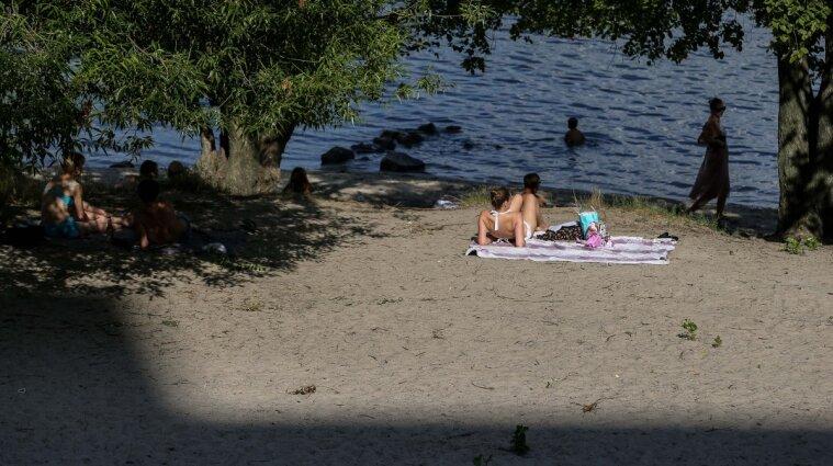 Вдень на пляжі з горілкою, а ввечері в реанімації: у Кременчуці рятують підлітка