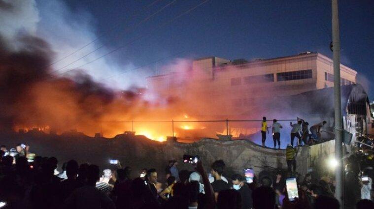 50 людей згоріли живцем під час пожежі в ковідній лікарні Іраку - відео