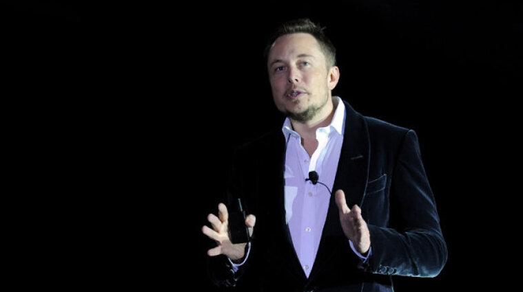 Ілон Маск надіслав конкуренту Безосу глузливий подарунок