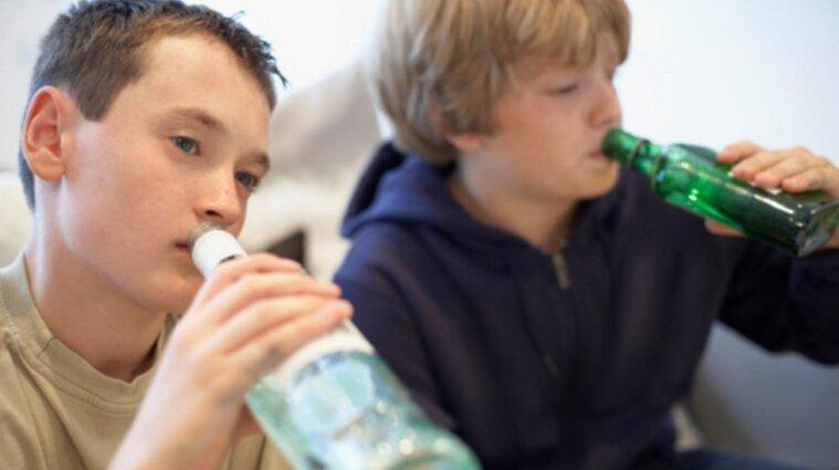 На Ровенщине двое шестиклассников напились водки и попали в реанимацию