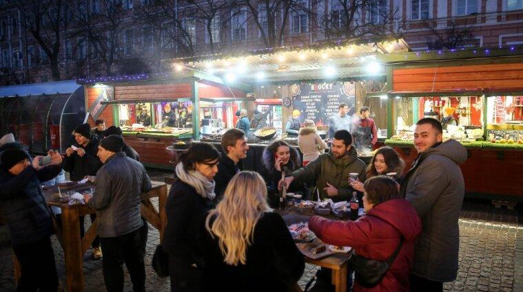 В Киеве могут закрыть все новогодние ярмарки