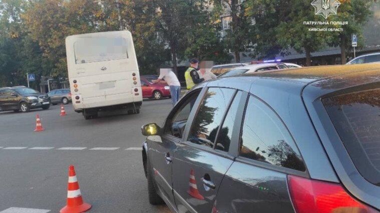 ДТП за участю маршрутного автобуса сталася в Борисполі