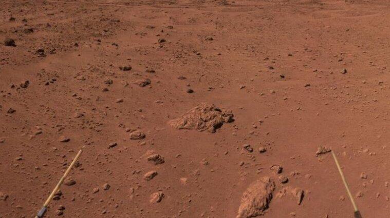 Марсоход NASA добудет второй образец грунта с Марса