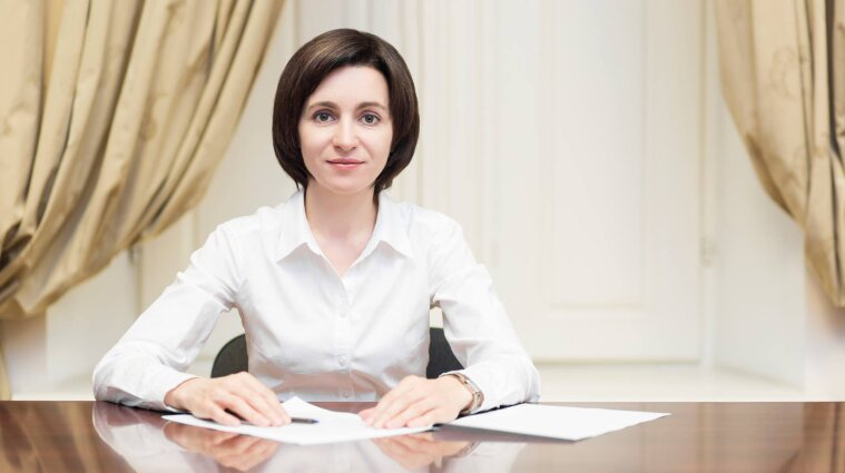 Санду обошла Додона: президентом Молдовы впервые стала женщина