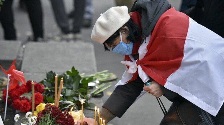 Киевляне почтили память белоруса, которого до смерти избили силовики
