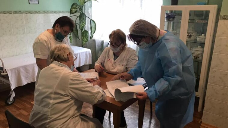 Понад три тисячі нових випадків ковіду виявили в Україні