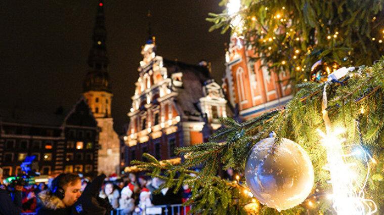Латвия ввела комендантский час на Новый год