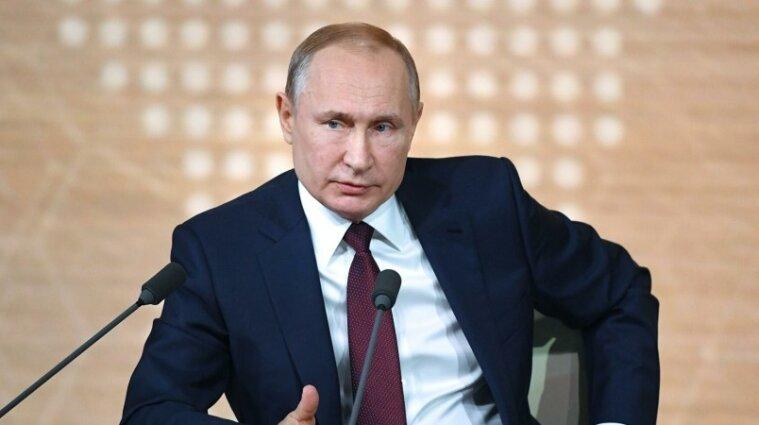 Путін піде на самоізоляцію через спалах COVID-19 у його оточенні