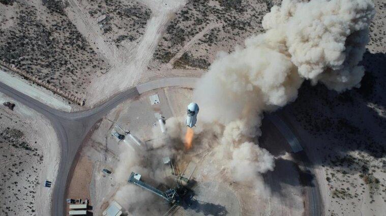 New Shepard Безоса завершил первый пассажирский суборбитальный полет