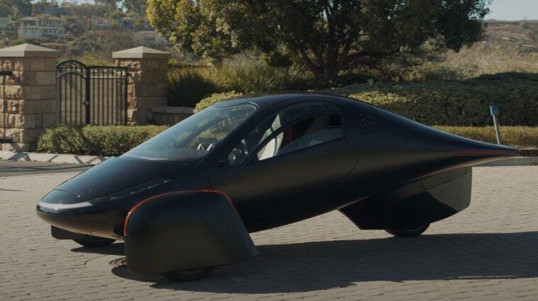 В США изготовили трехколесный электрический автомобиль с солнечной батареей