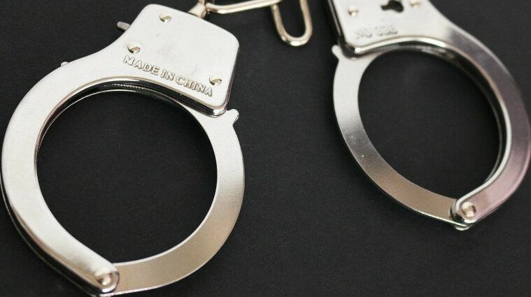 Пять лет молчала: женщина обвинила мужа в изнасиловании трех детей