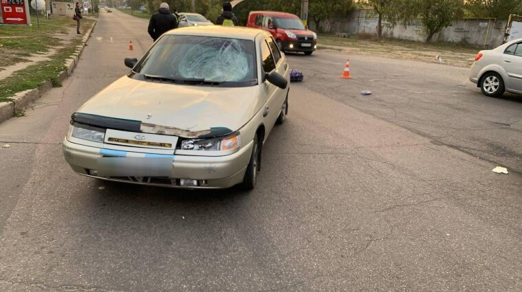 В Николаеве водитель автомобиля насмерть сбил пенсионерку