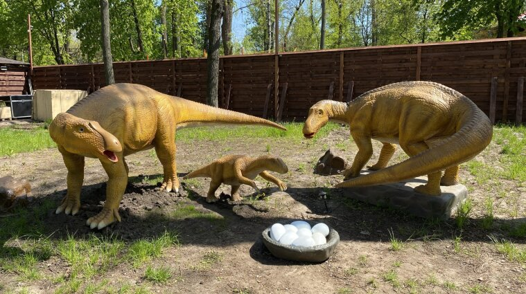 Крупнейший в Украине парк динозавров открыли в Киеве - фото