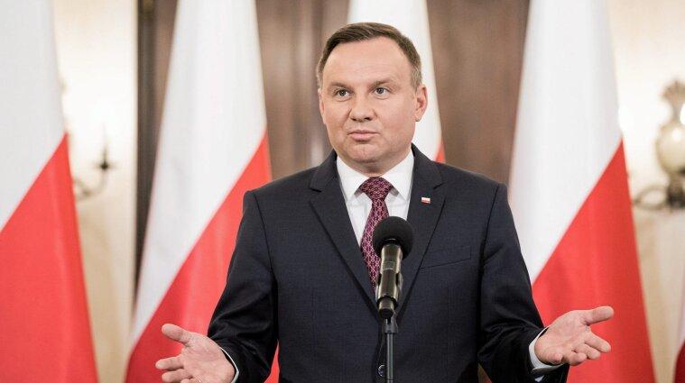 """Письменник назвав президента Польщі """"дебілом"""": йому загрожує три роки ув'язнення"""