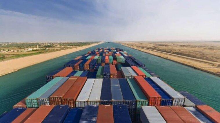 Эксперты посчитали убытки из-за заблокированого Суэцкого канала