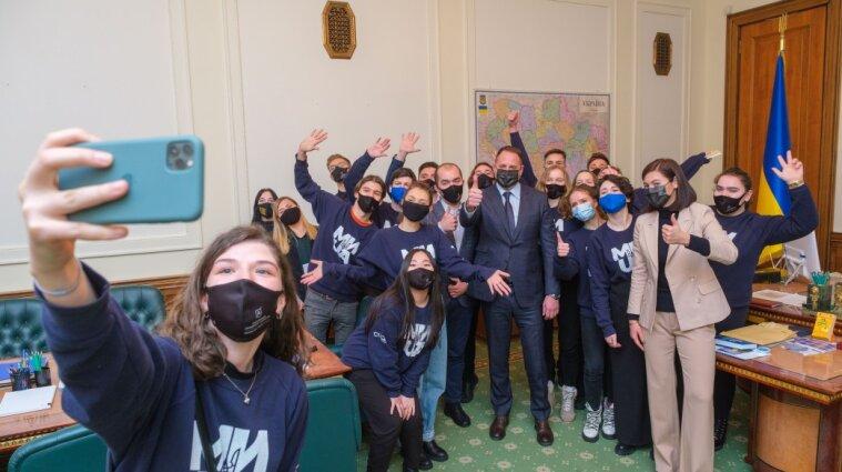 Єрмак провів для студентів екскурсію Офісом президента - фото