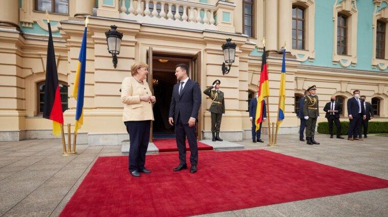 В Мариинском дворце началась встреча Меркель и Зеленского