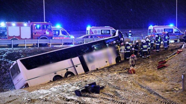 Автобус с украинцами попал в ДТП в Польше: есть жертвы