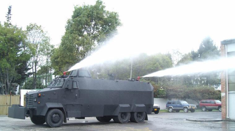 У Брюсселі люди прийшли на фестиваль, який був жартом до 1 квітня: їх розігнали водометами
