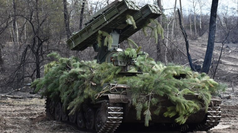 Сутки на Донбассе: оккупанты ранили трех украинских военных