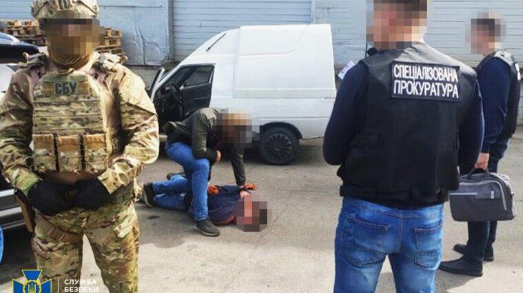 В Черкассах военнослужащий Нацгвардии перепродавал пистолеты - видео