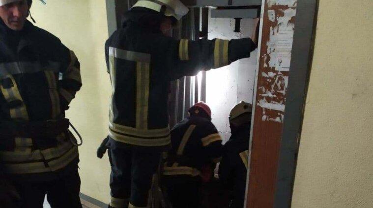 Тіло людини знайшли у ліфтовій шахті у Дарницькому районі Києва