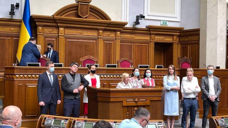 """В регламентном комитете Рады должны разобраться, кто же руководит """"Голосом"""""""