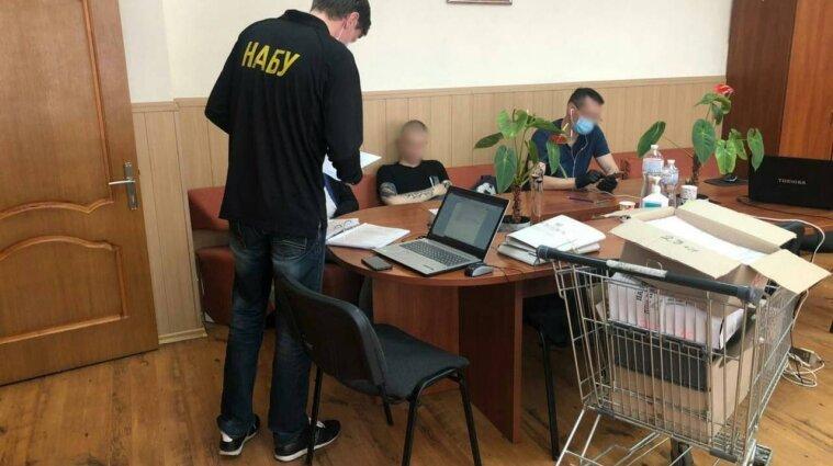 """Силовики проводять обшуки у лікарнях """"Укрзалізниці"""" у п'яти містах України"""