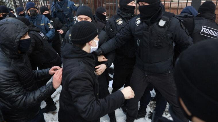 Українці протестують: біля ОП просять знизити тарифи, а під ВР прийшли зірки - відео