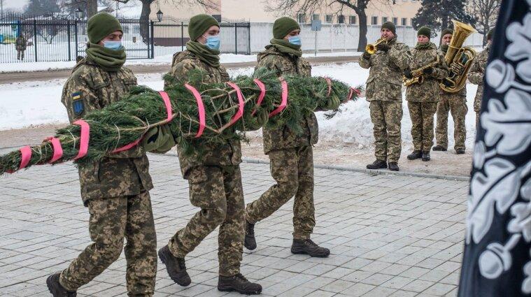 """У ЗСУ вшанували пам'ять загиблих """"кіборгів"""""""