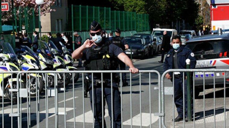 У Франції африканець перерізав горло поліціянтці