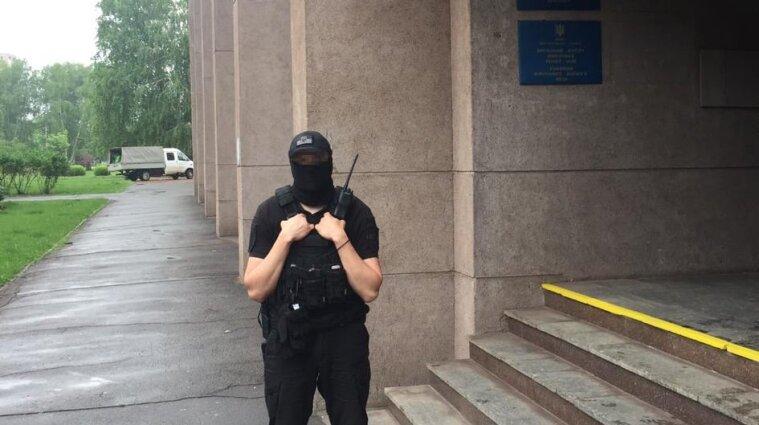 Фискалы провели обыски в городском совете Кривого Рога